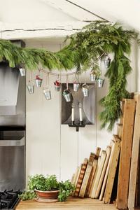 Christmas Decor - DIY - Galvanized Pails Advent Calendar