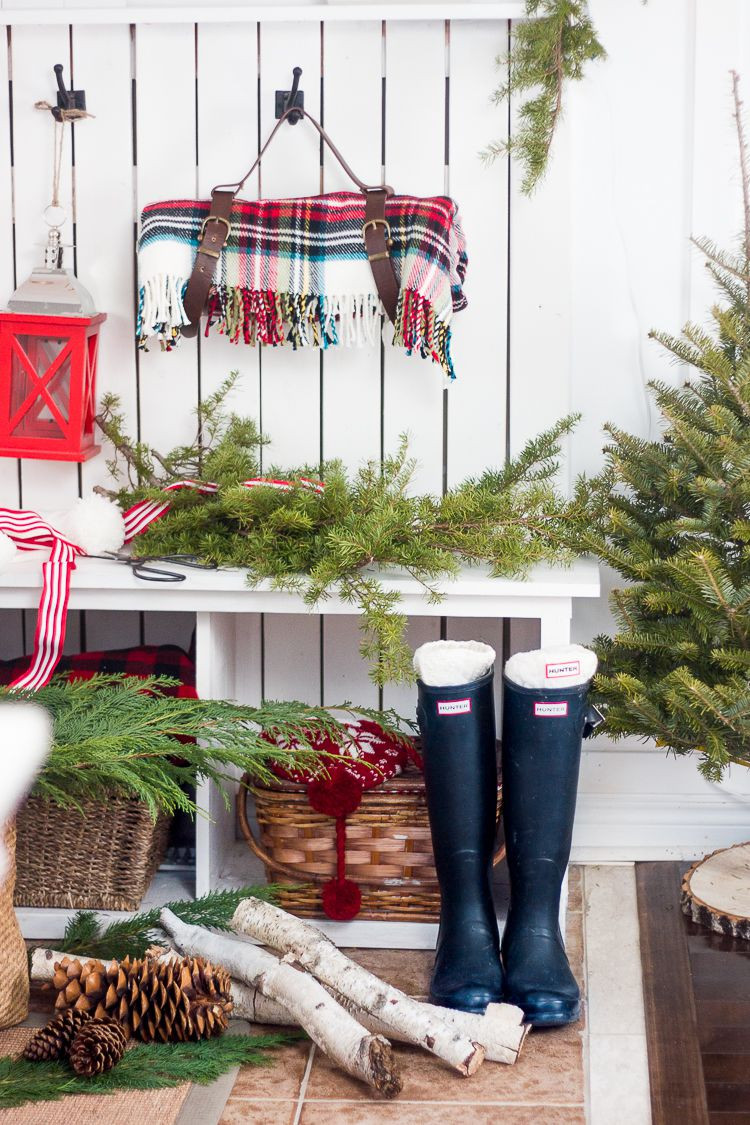 Christmas Decor - Decorate Every Nook & Cranny