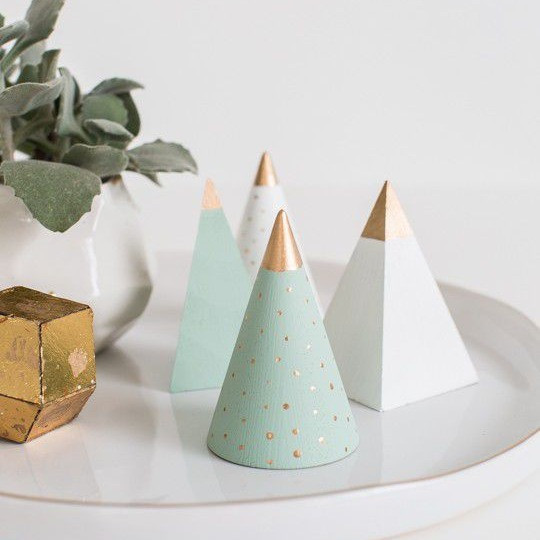 Christmas Decor - DIY - Modern - Mini Wooden Trees