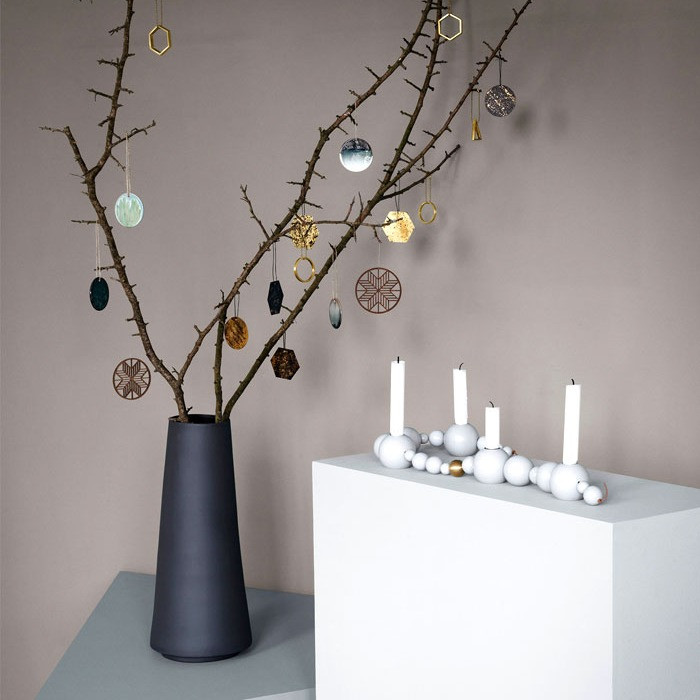 Christmas Decor - Urban Chic – Glass, Metal and Concrete