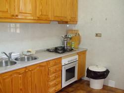 Vista parcial de la cocina