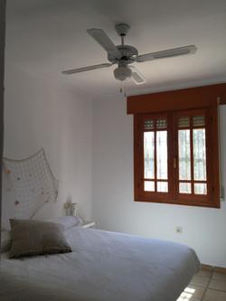 Con ventilador de techo