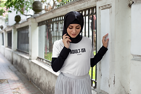 t-shirt-mockup-featuring-a-woman-with-a-
