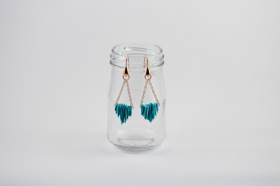 Contrastful earrings.jpg