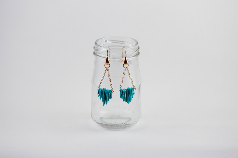 Contrastful earrings.jpg