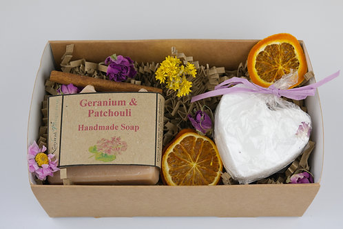 Rose Gift Box - Soap + Bath Bomb