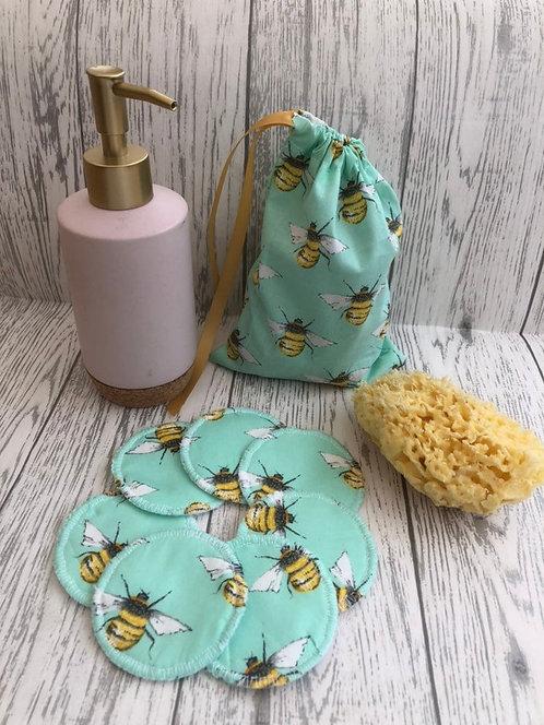 7 Reuseable Face wipes & wash bag
