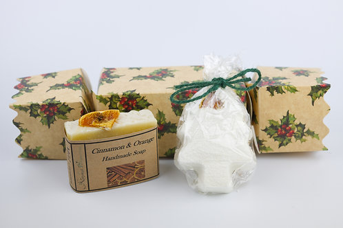 Soap & Bath Bomb lg Christmas Cracker