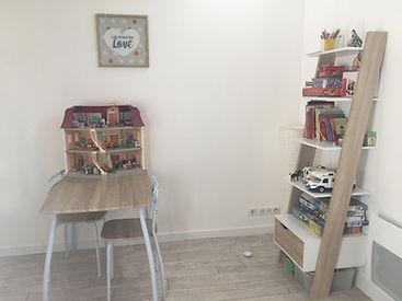 Espace jouet - bureau 1.jpg