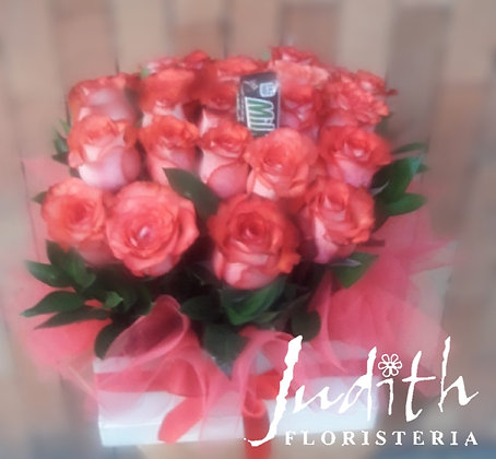 T13- Caja rosas salmón y chocolate.