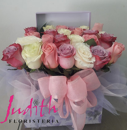 T59- Caja rosas variadas