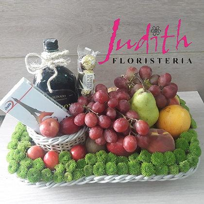 T16- Bandeja con Licor y frutas