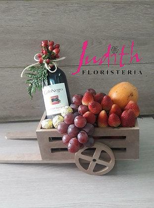 T17- Carretilla licor, fruta y chocolates