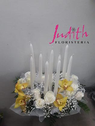 F12- Novenario con rosas y orquídeas