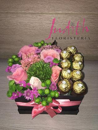 T27- Caja flores y chocolates