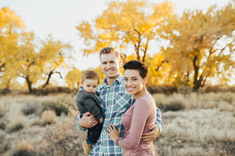 Family Portrait Photographer | Kenzie Mae Photography | Cedar City Family Photographer | Cedar City Utah