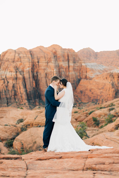 Snow Canyon Bridals Photographer