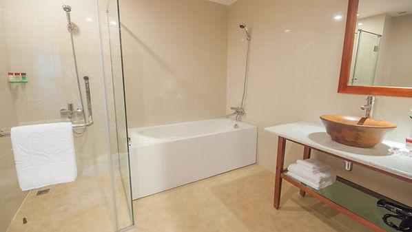 Romdul-Bathroom.jpg