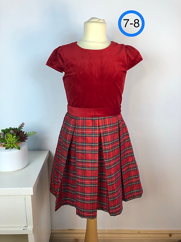 Robe rouge velours 7-8 ans