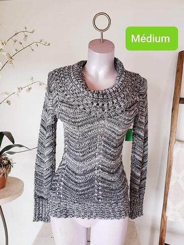 Chandail tricot noir et blanc M