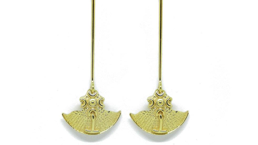 Golden Perseo shield drop earrings