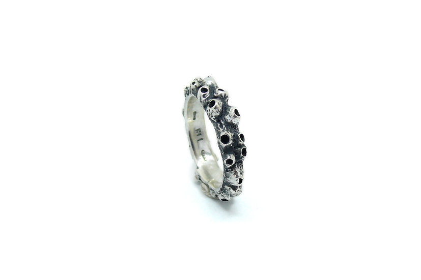 Barnacles ring band