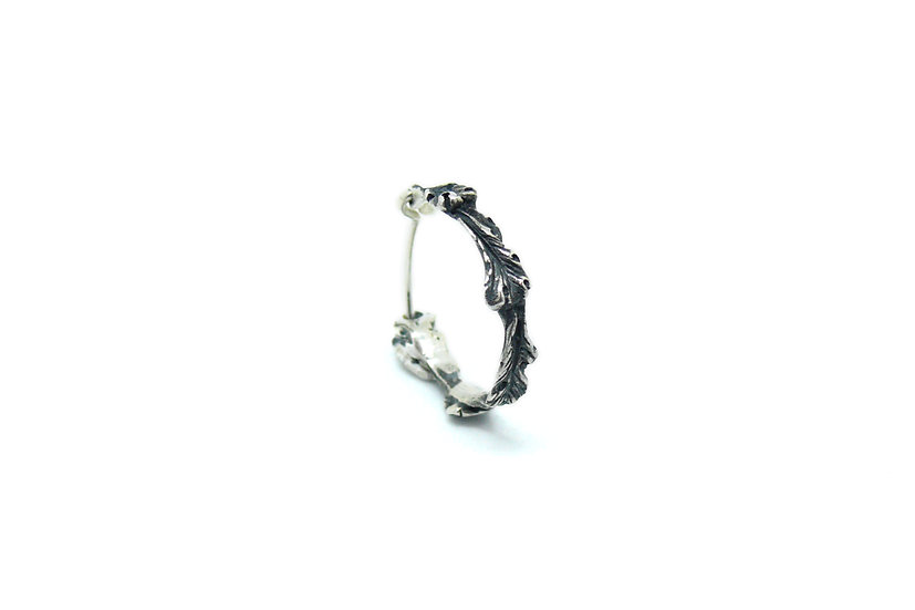 Acanthus small hoop earring