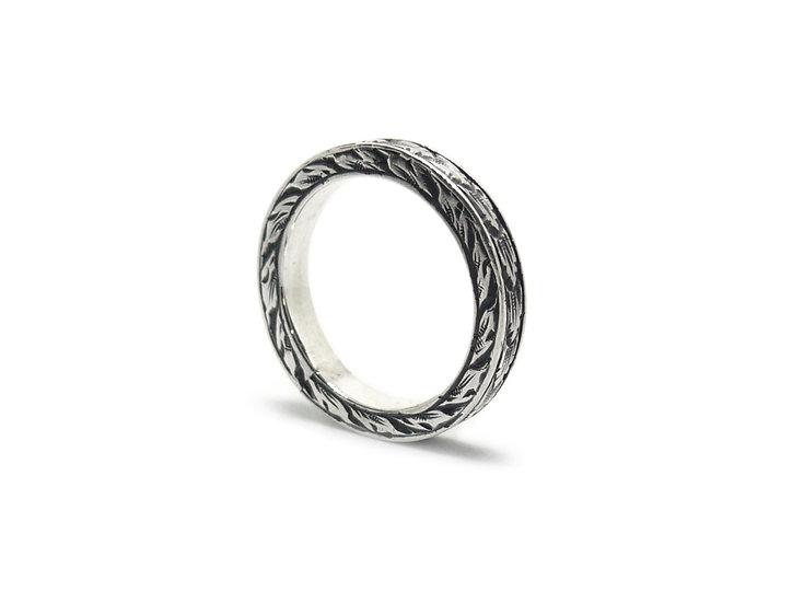 Ornamental ring band