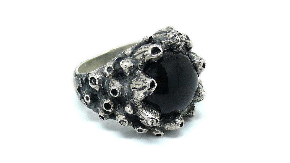 Barnacles onix ring