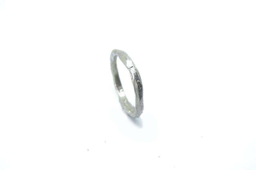 Tiny irregular ring band