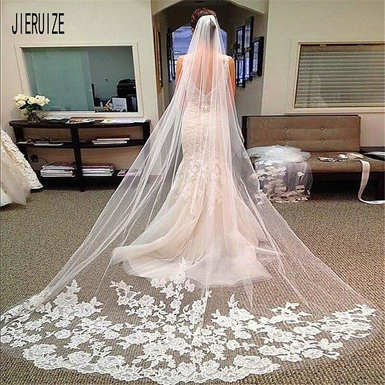 Lace Appliqued Edge Tulle Bride Veil With Comb