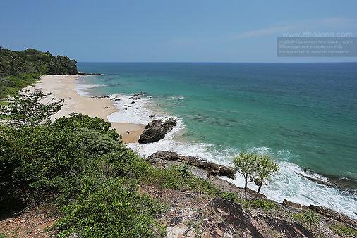 nui-beach-ko-lanta-krabi-01.jpg