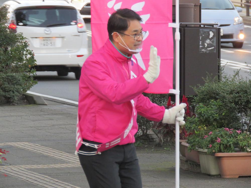やすおか宏武 上本町交差点辻立ち・ゴミ拾い