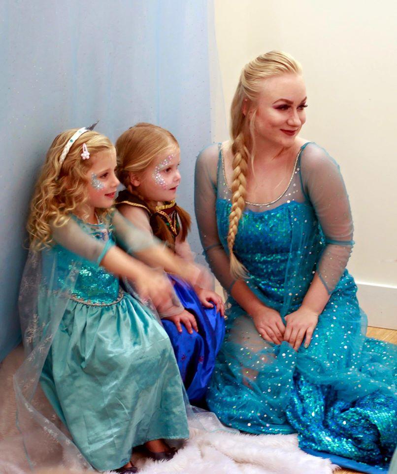 Elsa and 2 little Princesses