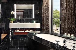 Bvlgari-Hotel-London-Studio-Suite-Bathroom