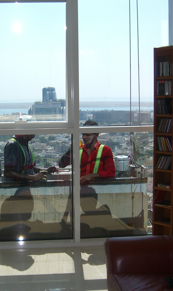 window washers, Abu Dhabi, 2011