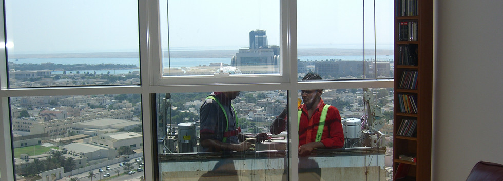 window washers, Abu Dhabi, 2011