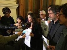 RECHAZAN HOMENAJE A AGUSTÍN EDWARDS EN EL SENADO