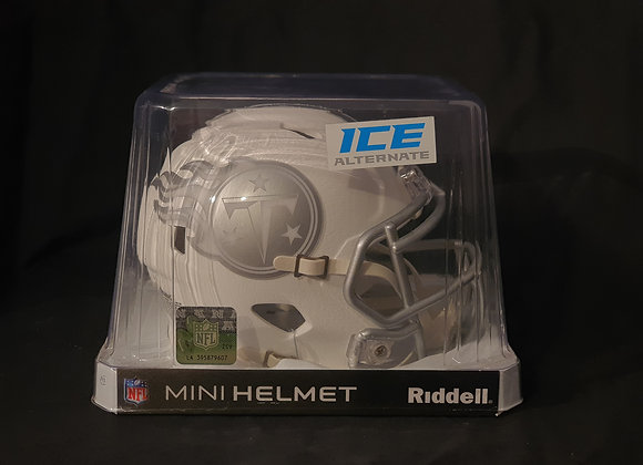 Unsigned - Tennessee Titans - Mini Ice Helmet