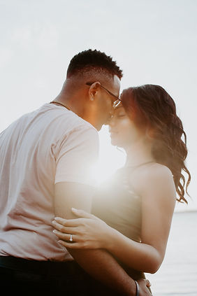 couple kissing | marriage counseling in davie fl | online marriage counseling in davie, fl | marriage counselor in davie, fl | CMC therapy | online therapy in davie, fl | 33330