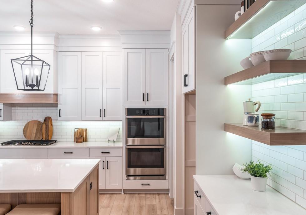7341 Kitchen.jpg