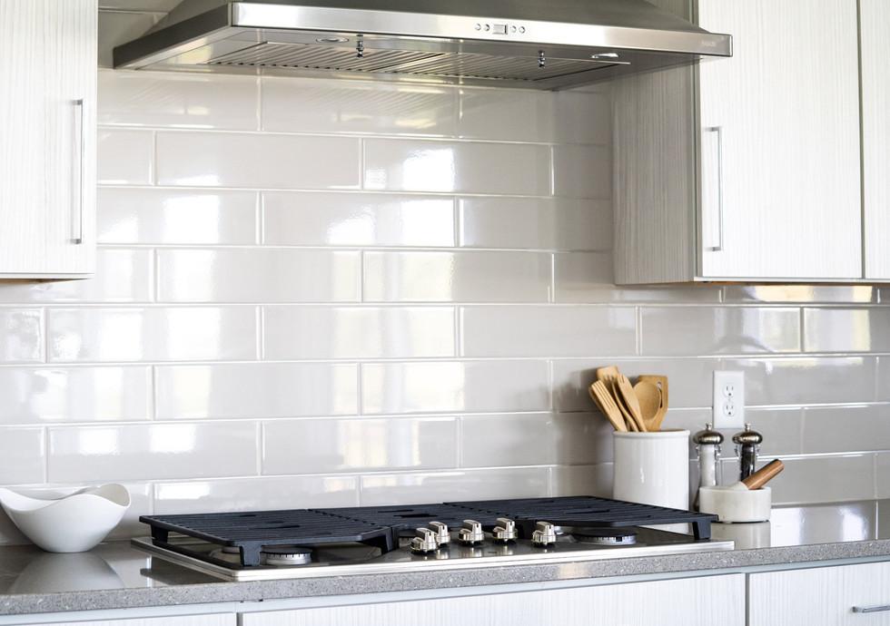 1484 Kitchen.jpg