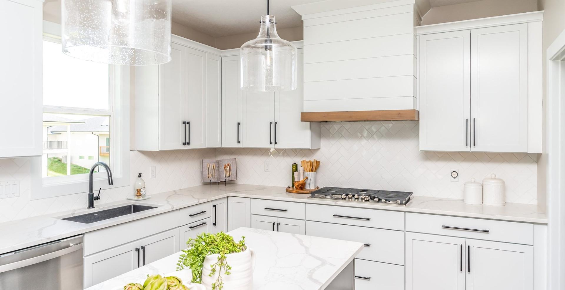 10165 Kitchen 6.jpg