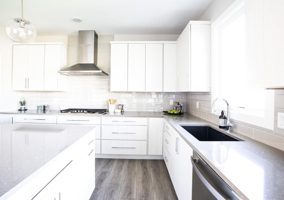 1484 Kitchen-2.jpg