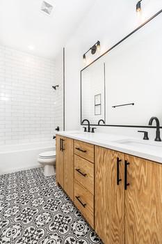 1183 Hall Bath.jpg