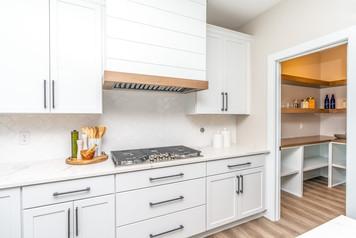10165 Kitchen 4.jpg