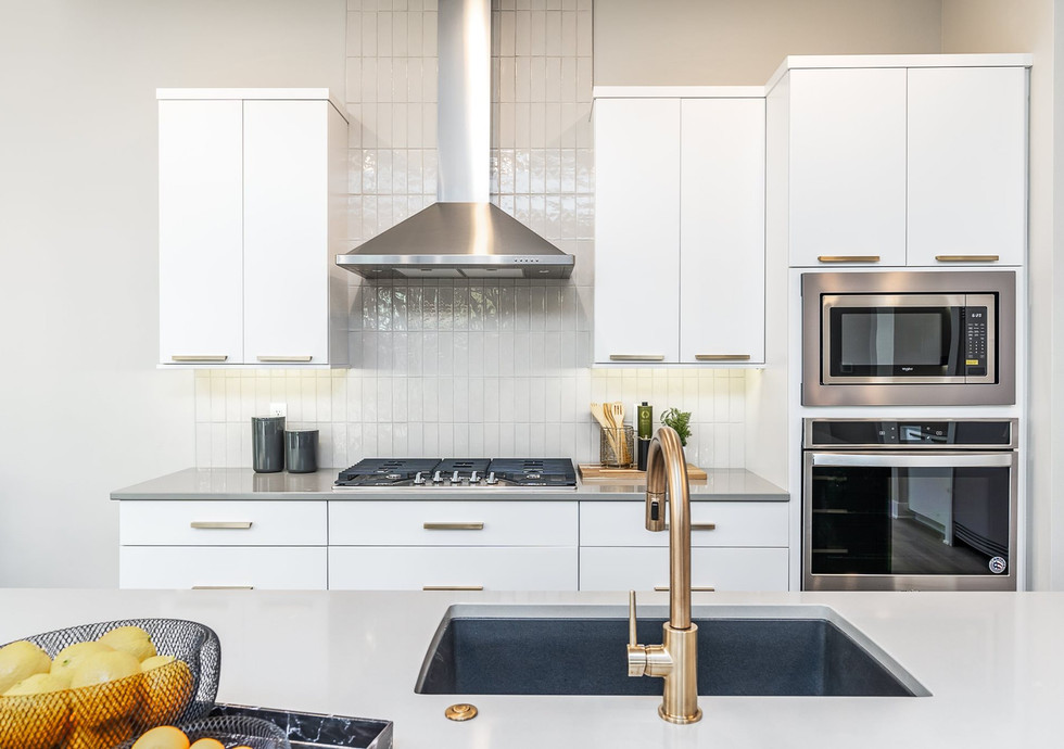7868 kitchen 5.jpg