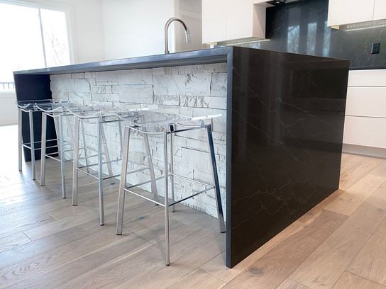 7907 Kitchen 4.jpg