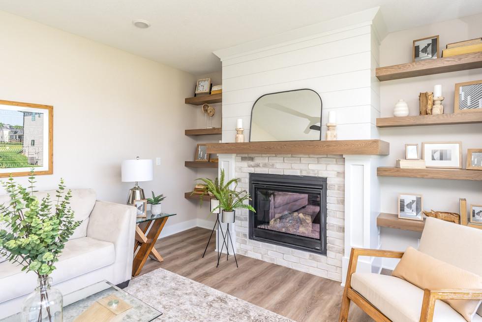 10165 Livingroom.jpg