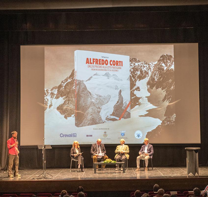 Valeria Duico, Fernando Baruffi, Angelo Schena e Paolo Camanni introducono la presentazione